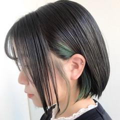 ナチュラル インナーグリーン ショートボブ ボブ ヘアスタイルや髪型の写真・画像