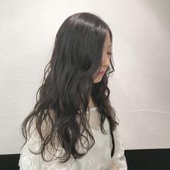 透明感カラー グレージュ セミロング デート ヘアスタイルや髪型の写真・画像