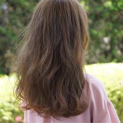 外国人風カラー 透明感 ベージュ ミルクティーベージュ ヘアスタイルや髪型の写真・画像
