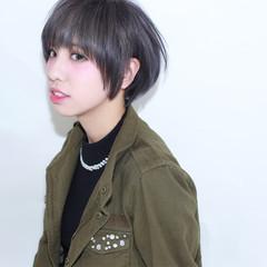 外国人風 グレージュ ショートボブ ショート ヘアスタイルや髪型の写真・画像
