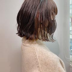 切りっぱなしボブ ニュアンスヘア ボブ 前下がりボブ ヘアスタイルや髪型の写真・画像