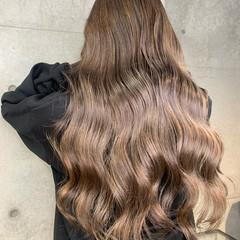 ヌーディーベージュ ミルクティー ラベージュ エレガント ヘアスタイルや髪型の写真・画像