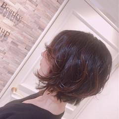 パーマ ショート 前下がり グラデーションカラー ヘアスタイルや髪型の写真・画像