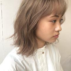 レイヤーカット ハイトーンカラー 切りっぱなしボブ ウルフカット ヘアスタイルや髪型の写真・画像