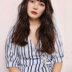 ぱっつん パーマ ロング ゆるふわパーマ ヘアスタイルや髪型の写真・画像