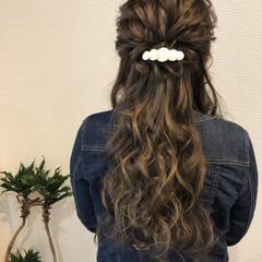 ロング ハーフアップ ねじり 結婚式ヘアアレンジ ヘアスタイルや髪型の写真・画像