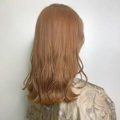 ハイトーンカラー 透明感カラー 波ウェーブ ハイトーン ヘアスタイルや髪型の写真・画像