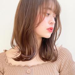 レイヤーカット 鎖骨ミディアム インナーカラー 小顔ヘア ヘアスタイルや髪型の写真・画像