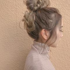セミロング 簡単ヘアアレンジ ヌーディベージュ ガーリー ヘアスタイルや髪型の写真・画像
