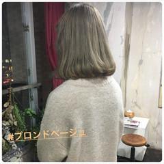 ヘアアレンジ ボブ フェミニン グレージュ ヘアスタイルや髪型の写真・画像