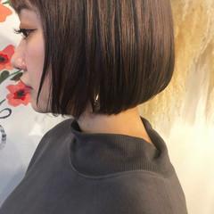切りっぱなしボブ ピンクラベンダー ブリーチカラー ナチュラル ヘアスタイルや髪型の写真・画像