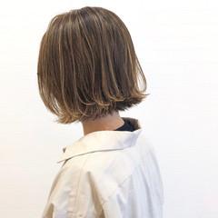 ベージュ ナチュラル ボブ ハイライト ヘアスタイルや髪型の写真・画像