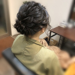 ねじり アップ ミディアム フェミニン ヘアスタイルや髪型の写真・画像