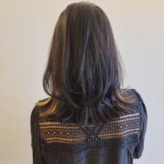 ナチュラル 大人女子 レイヤーヘアー ミディアム ヘアスタイルや髪型の写真・画像