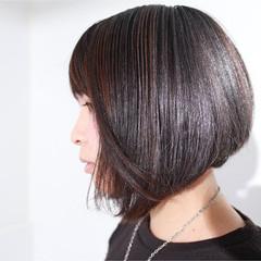 グレージュ ダークグレー ダークアッシュ ボブ ヘアスタイルや髪型の写真・画像