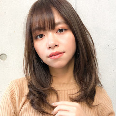 小顔 レイヤー ミディアムレイヤー コンサバ ヘアスタイルや髪型の写真・画像