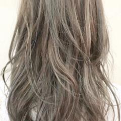 ベージュ ストリート ロング ダブルカラー ヘアスタイルや髪型の写真・画像