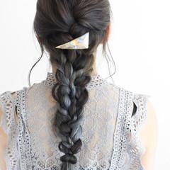 グレージュ モード インナーカラー 編み込み ヘアスタイルや髪型の写真・画像