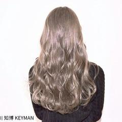 秋 大人女子 ストリート ロング ヘアスタイルや髪型の写真・画像