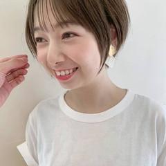 デート サロンモデル 丸顔 丸みショート ヘアスタイルや髪型の写真・画像