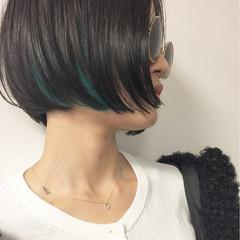抜け感 黒髪 モード インナーカラー ヘアスタイルや髪型の写真・画像