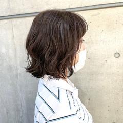 デジタルパーマ コテ巻き風パーマ くせ毛風 ナチュラル ヘアスタイルや髪型の写真・画像