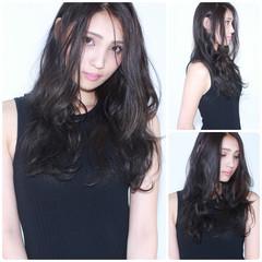 ロング ナチュラル アッシュ 暗髪 ヘアスタイルや髪型の写真・画像