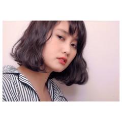 暗髪 ハイライト ナチュラル グレージュ ヘアスタイルや髪型の写真・画像