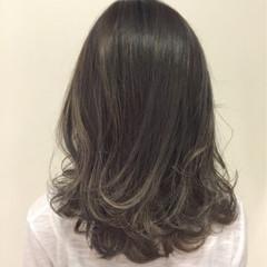 アッシュ ストリート アッシュグレー 暗髪 ヘアスタイルや髪型の写真・画像