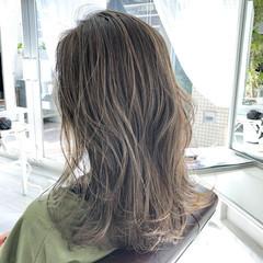 ミディアム ハイライト ミディアムレイヤー ナチュラル ヘアスタイルや髪型の写真・画像