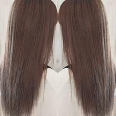 ストレート 透け感 透け感ヘア ミルクティーグレージュ ヘアスタイルや髪型の写真・画像