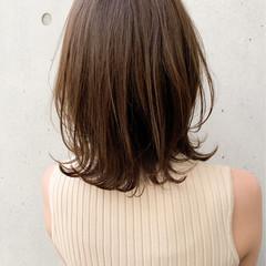 極細ハイライト 大人ハイライト ハイライト ミディアム ヘアスタイルや髪型の写真・画像