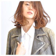 ミディアム レイヤーカット モード ボーイッシュ ヘアスタイルや髪型の写真・画像