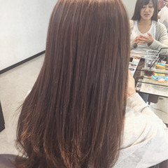 セミロング アッシュグレージュ ナチュラル グレーアッシュ ヘアスタイルや髪型の写真・画像