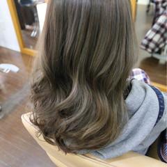 外国人風カラー アッシュ セミロング イルミナカラー ヘアスタイルや髪型の写真・画像