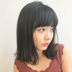 オフィス デート 前髪あり フェミニン ヘアスタイルや髪型の写真・画像