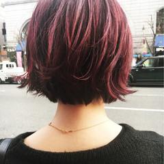 レッド ダブルカラー モード ピンク ヘアスタイルや髪型の写真・画像