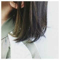 ワンレングス ブルーアッシュ アッシュ インナーカラー ヘアスタイルや髪型の写真・画像