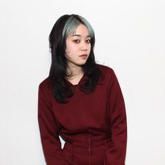 ウルフカット ミディアム ハイライト ブリーチ ヘアスタイルや髪型の写真・画像