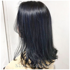ウルフカット モード ミディアム グレージュ ヘアスタイルや髪型の写真・画像