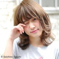 ハイトーン 外国人風 ブラウン ゆるふわ ヘアスタイルや髪型の写真・画像