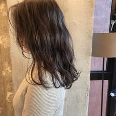 ミディアム ゆるふわ 謝恩会 オフィス ヘアスタイルや髪型の写真・画像