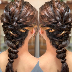 フェミニン セミロング ヘアアレンジ インナーカラー ヘアスタイルや髪型の写真・画像