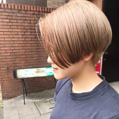 ショート アッシュベージュ ナチュラルベージュ ミルクティーベージュ ヘアスタイルや髪型の写真・画像