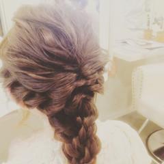 セミロング くるりんぱ 大人女子 編み込み ヘアスタイルや髪型の写真・画像