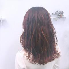 ロング ハイライト フェミニン 透明感 ヘアスタイルや髪型の写真・画像