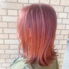ガーリー ハイトーンカラー カシスカラー ピンクカラー ヘアスタイルや髪型の写真・画像