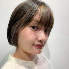 ミニボブ インナーカラー 大人可愛い ガーリー ヘアスタイルや髪型の写真・画像
