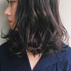 ゆるふわ 暗髪 簡単 パーマ ヘアスタイルや髪型の写真・画像