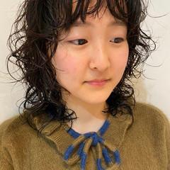 ナチュラル 個性的 パーマ くせ毛風 ヘアスタイルや髪型の写真・画像